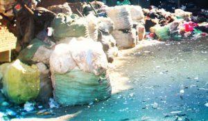 Вывоз мусора контейнером грузчиками